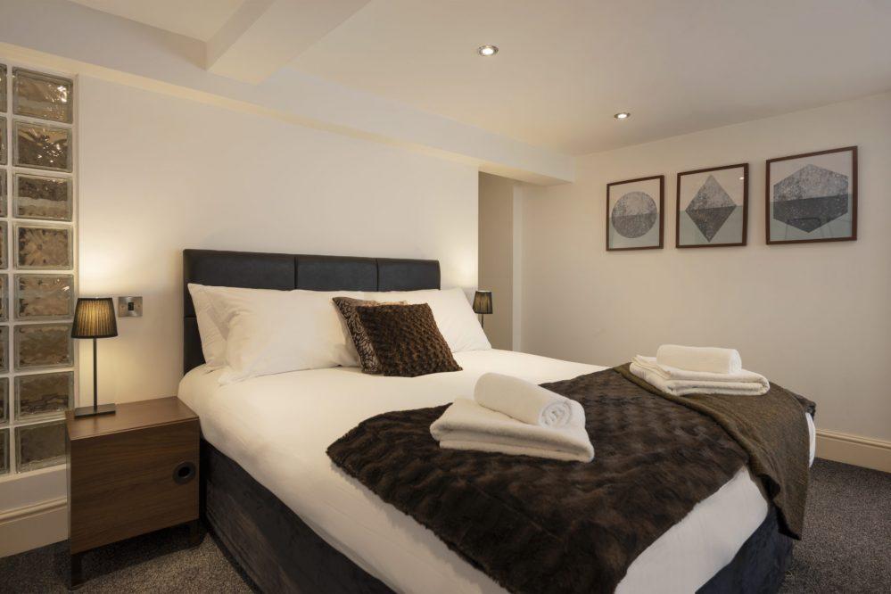 bedrooms (6)